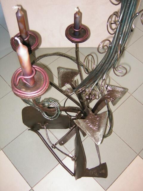 Sockel Leuchtenskulptur mit Kerzen