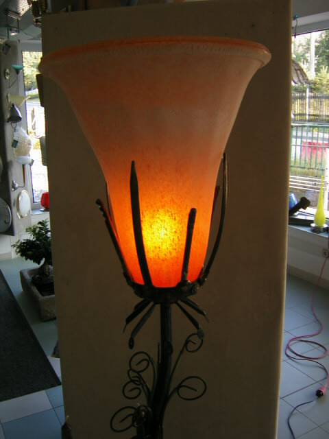 Glaskelch Leuchtenskulptur